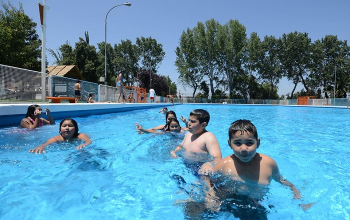 Maip abre temporada de piscinas 2015 2016 solo for Piscinas en alcampo 2016