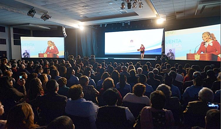 teatro municipal de maipu, lleno de vecinos en cuenta publica 2017