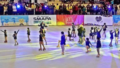 niñas patinando en pista los toros de maipu